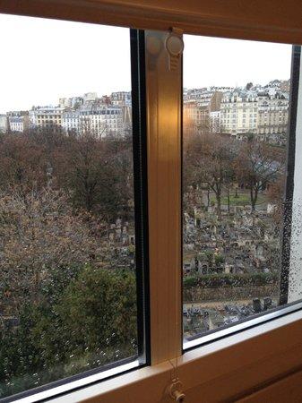 Ibis Paris Montmartre 18ème : Вид с 7 этажа