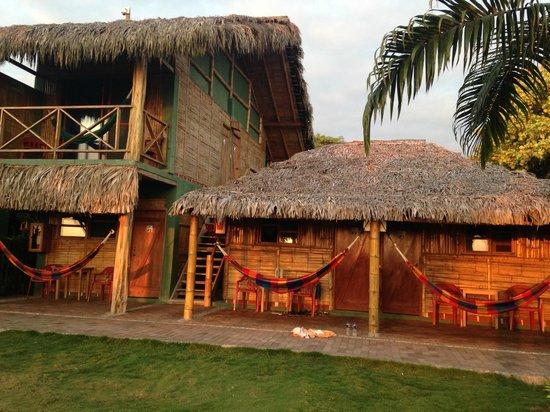 Hostal Kundalini: las primera al lado de la recepción y de un piso f1