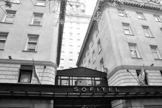 Sofitel Buenos Aires Arroyo: Fachada do hotel