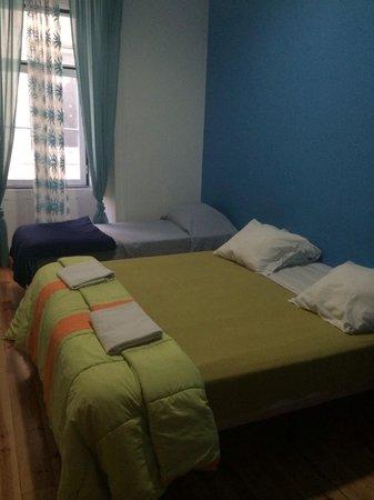 Lisbon Happy Hostel: Triple room without bathroom