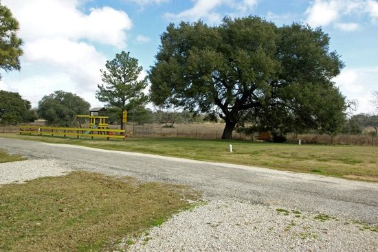 Whispering Oaks RV Park : country quiet