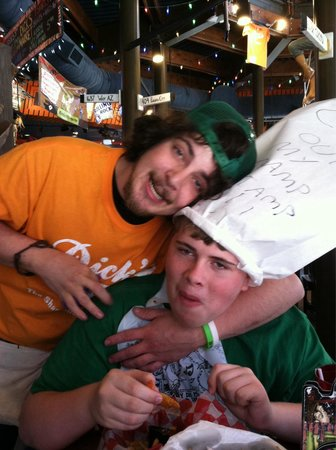Dick's Last Resort : Best waiter ever!