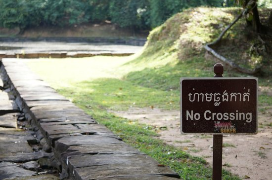 Neak Pean: Experience marred by the limited access to the temple grounds - it would have been great!