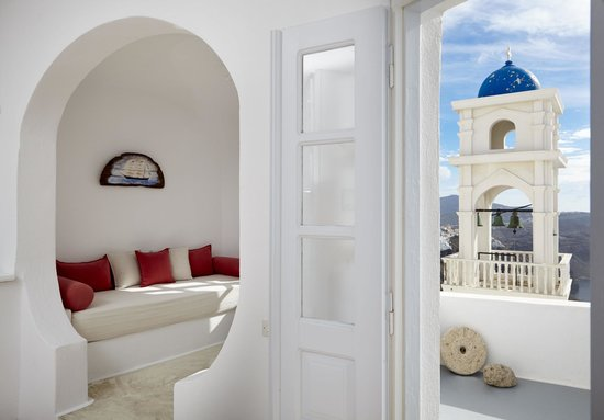 Altana Traditional Houses: VIP Suite