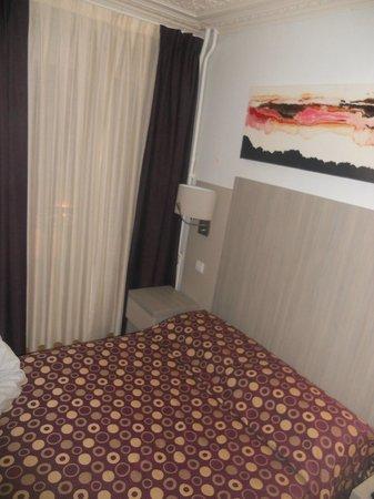 Hotel Excelsior Republique : Camera