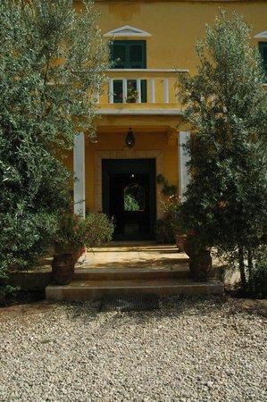 Villa Juba: L'entrée des visiteurs