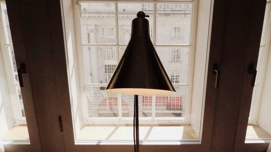 Cafe Royal Hotel: Strand Copper Lamp