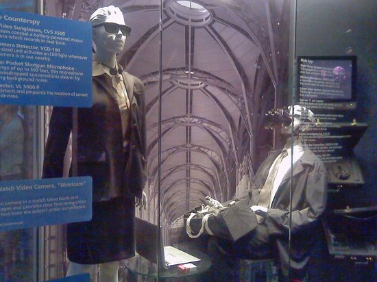 International Spy Museum : Spy Wear