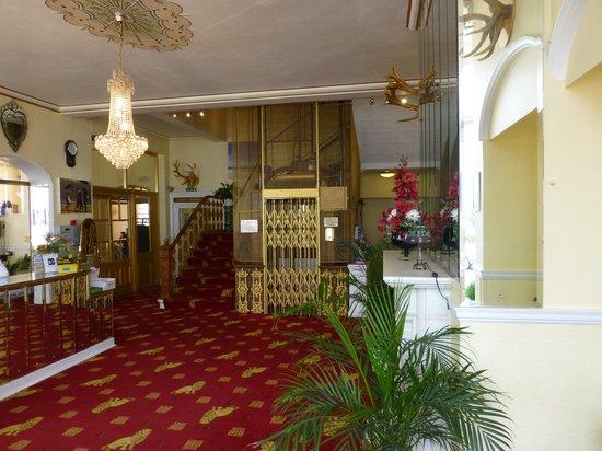 Chatsworth Hotel: reception