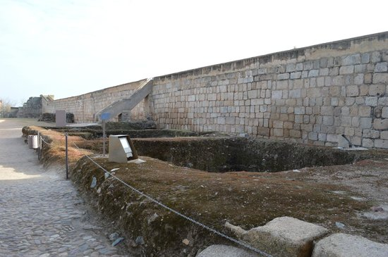 Parte de las vistas de la Muralla Romana de la Alcazaba.