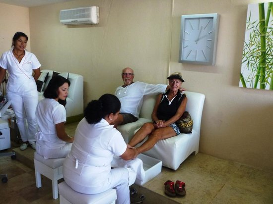 Pedicure picture of marina salon spa puerto vallarta for Salon de pedicure