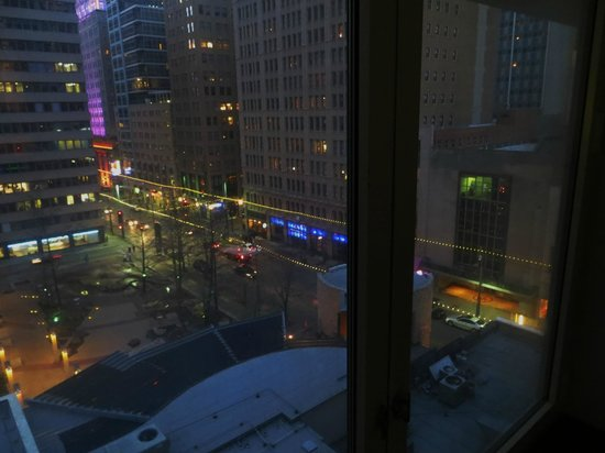 The Joule, Dallas : View of Main Street from room