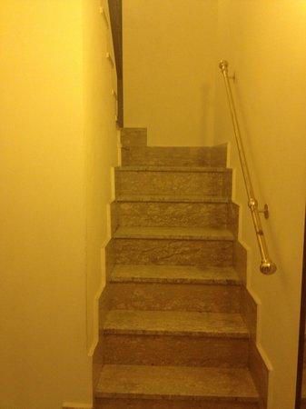 Hotel San Marco: Scalinata