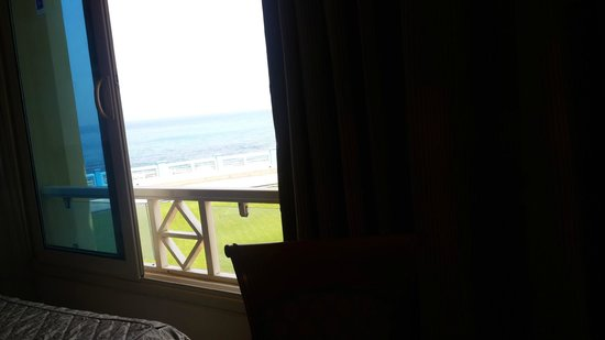 Mediterranean Azur Hotel: Excellent view...to be honest
