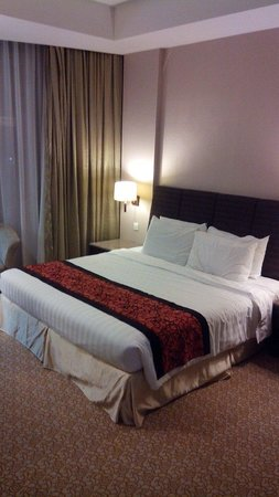 Hotel Grand Paragon: Bedroom