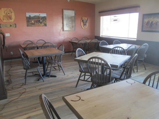 Broken Spur Inn: More dining area with beautiful views