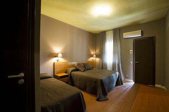 Province of Foggia, Italia: Camere climatizzate con patio attrezzato