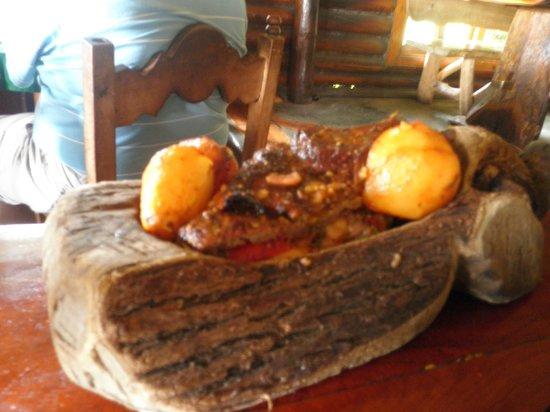 Cabañas Antawara: carne rellena, cabeza del indio
