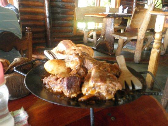 Cabañas Antawara: chivito, cabeza del indio