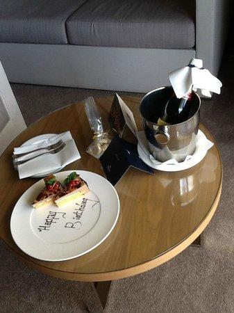 Hilton Malta: Geburtstagstorte
