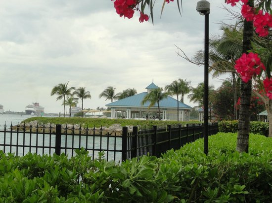 Atlantis - Harborside Resort: The Point Restaurant