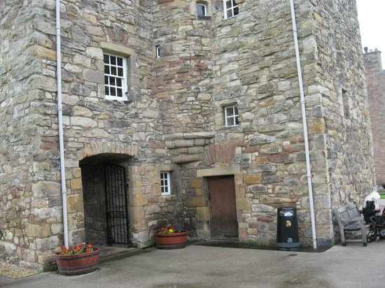 Mary Queen of Scots House: outside