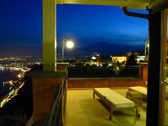 Hotel Villa Schuler: Terrazzo vista Etna