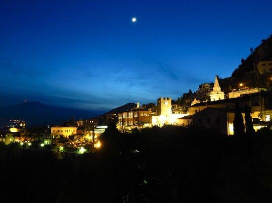 Hotel Villa Schuler: Panorama night hotel