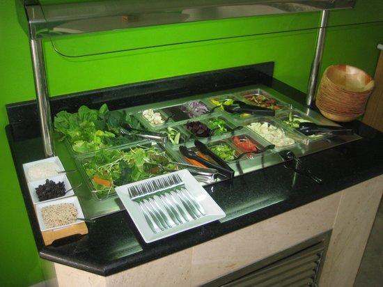 Titi Panini Pasta & Salad Bar : Fresh salad bar