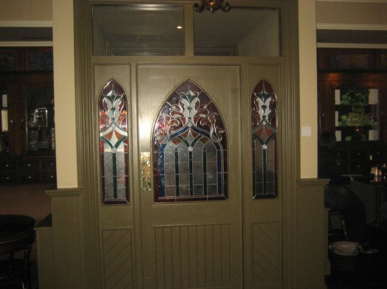 Hannigan's Bar and Restaurant: Bar entrance