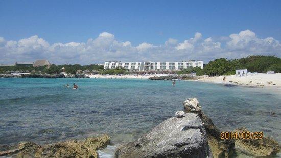 Grand Sirenis Riviera Maya Resort & Spa: shot of the bay (hotel)