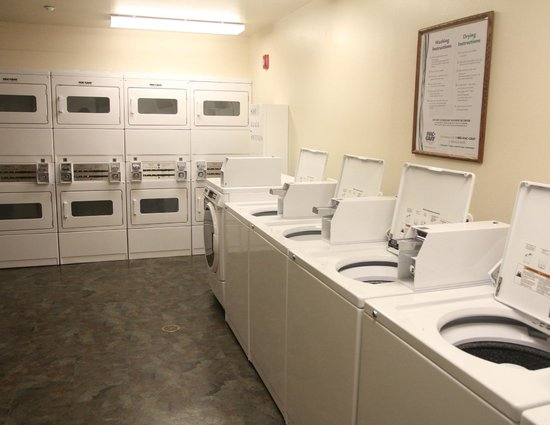 Value Place Gainesville : Guest Laundry Room