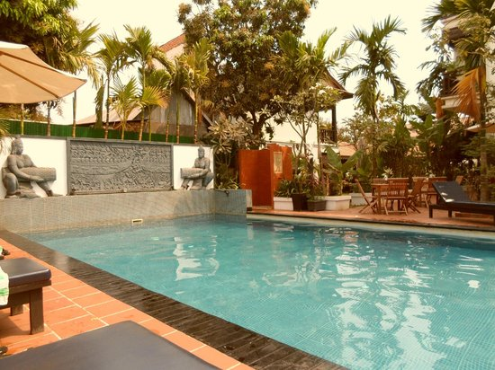 MotherHome Guesthouse: Free access to the pool of the MotherHome Boutique Hotel