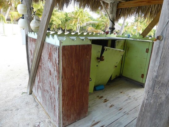 Coconut Cove Resort and Marina: Seen better days!