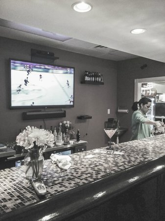 Pizzeria Maria: Large TVs for all Boston sports