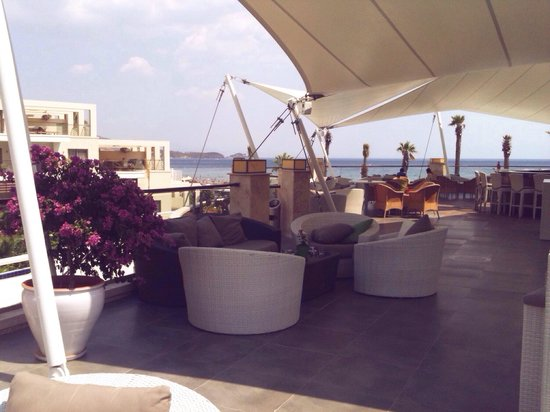 Paloma Pasha Resort : Main terrace