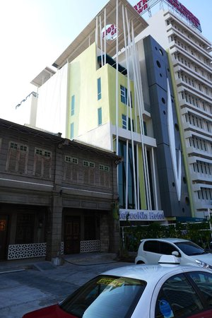 Heliconia Hotel: from the outside