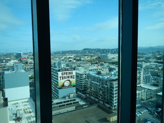 InterContinental San Francisco: Looking Out From Room 1819