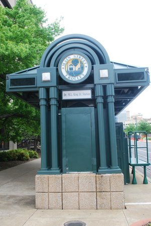 Main Street Trolley: fermata