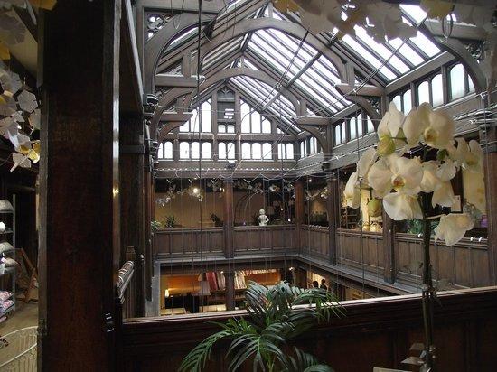 Liberty : Top floor
