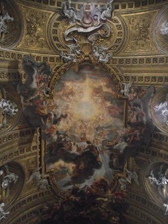 Chiesa del Gesù: Teto da nave central, trabalho de Giovan Battista Gaulli realizado em 1673