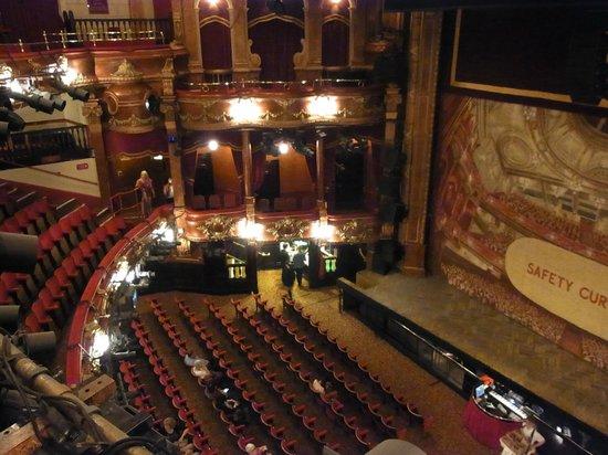 Billy Elliot The Musical : 劇場