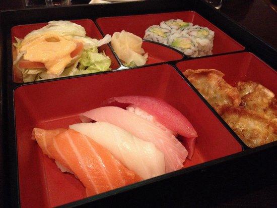 Osaka Seafood Steakhouse: Sushi Lunch Box