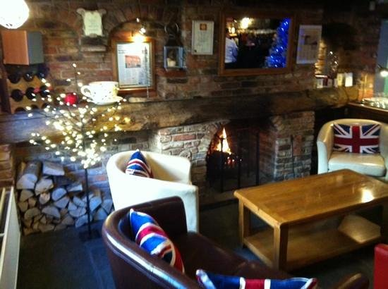 Shakesby's: The beautiful log fire greeted us on arrival