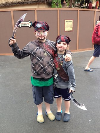 The Pirates League: Pirates!