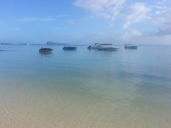 Calodyne Hotel: The beach