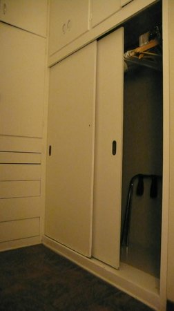 Desert Riviera Hotel : Closets VIP suite