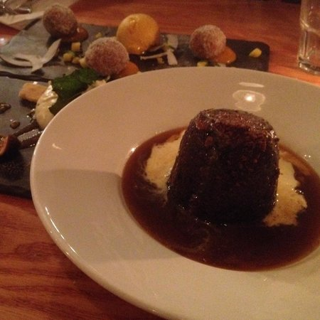 Food for Friends: Sticky toffee pudding - best I've ever had!
