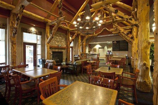Trickle Creek Lodge: Lobby