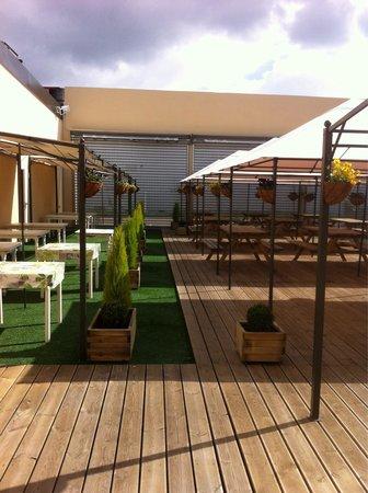 Chez Mio: Terrasse